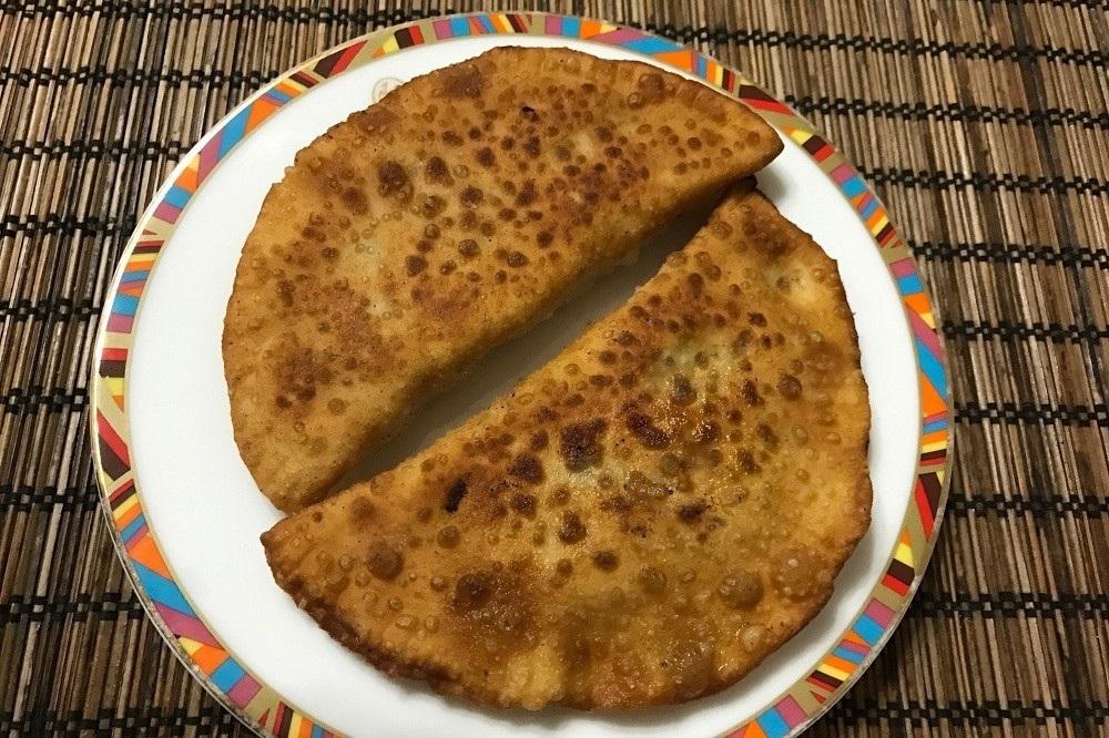 Крымские чебуреки рецепт с пошаговый на сковороде