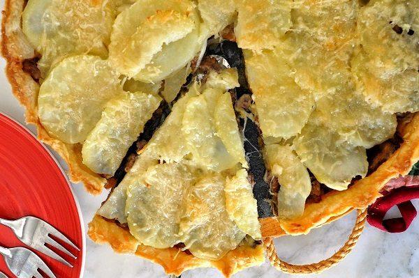 Пирог ОБЖОРКА из сыра, картошки, грибов и мясного фарша