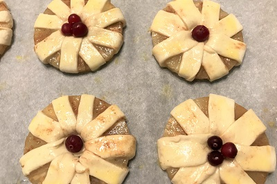 plushki s ananasami yagotki