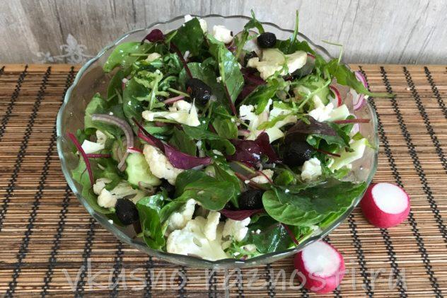 Salat iz cvetnoj kapusty recept s redisom i shpinatom