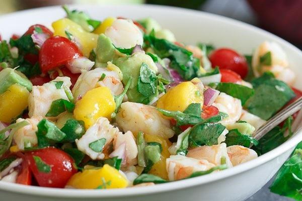 salat iz krevetok mango avokado recept1