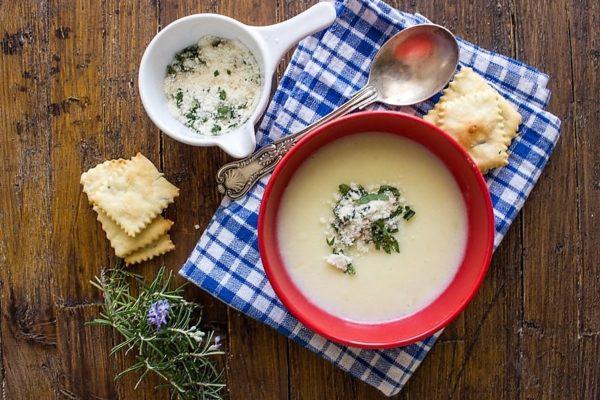 Картофельный суп пюре с молоком и сыром
