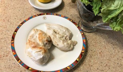 Куриное филе жареное на сковороде. Нежная куриная грудка.