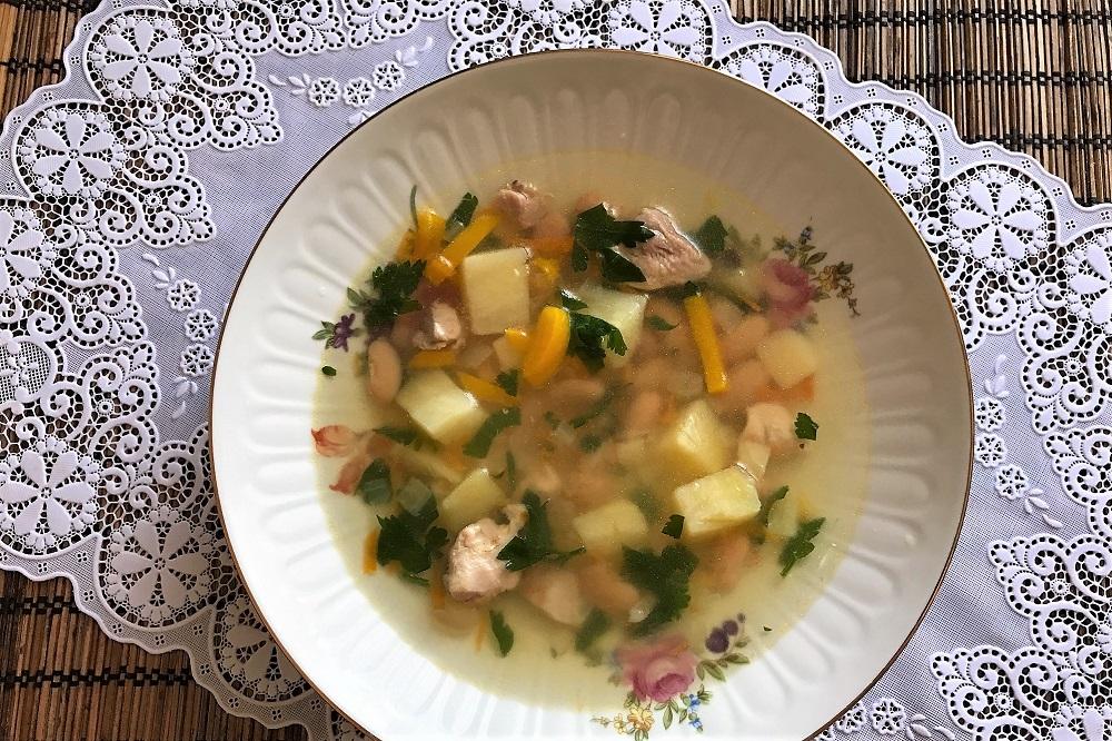sup s fasolyu recept s foto poshagovo