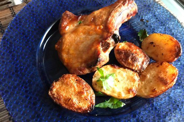 Свинина запеченная в духовке с картофелем