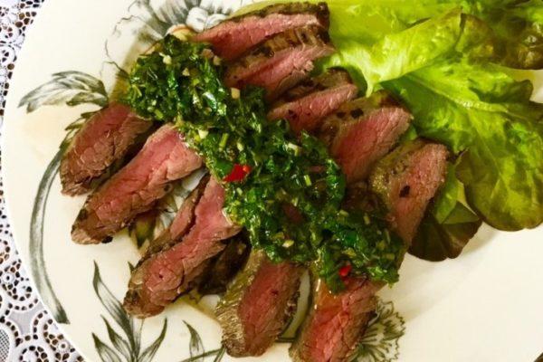Flank steik iz govyadiny na skovorode