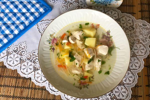 Sup s kurucei i makaronami