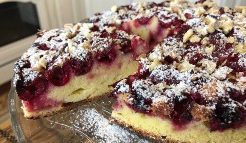 Быстрый пирог с вишней на кефире. Как приготовить пирог с вишней.