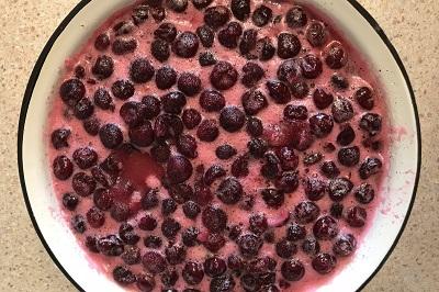 Как варить вишневое варенье без косточек