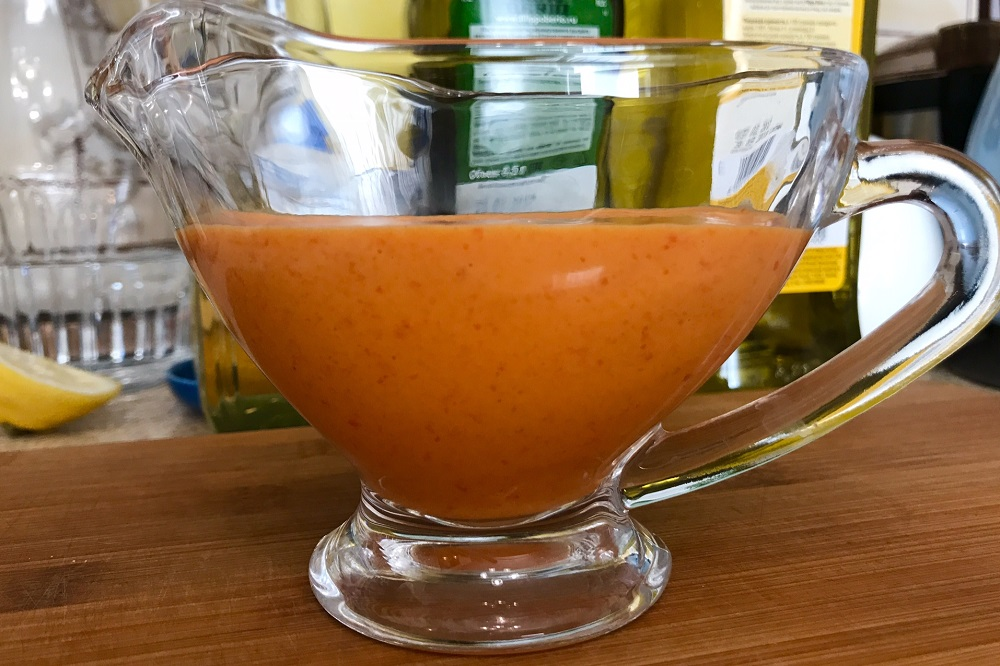 Salat s cherri salatnym miksom ogurcami i lukom