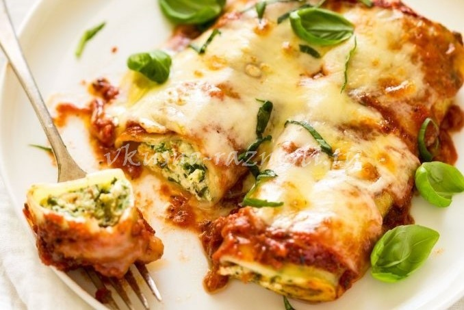 Kannelloni recept s rikottoi shpinatom i tomatnym sousom