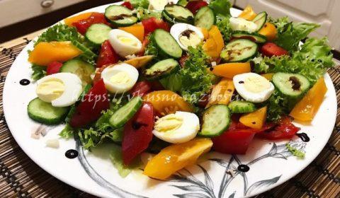 Салат с перепелиными яйцами помидорами и огурцами