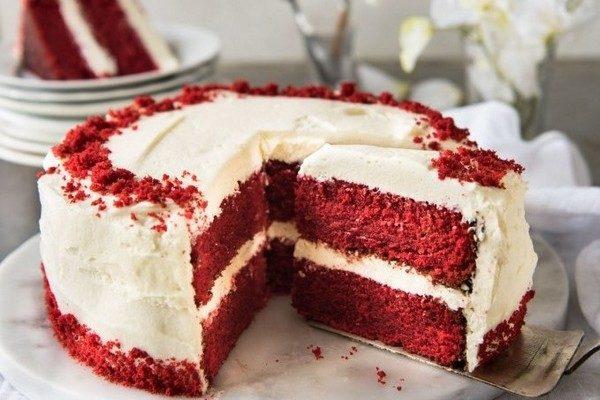 Krasny'j barhat tort klassicheskij recept